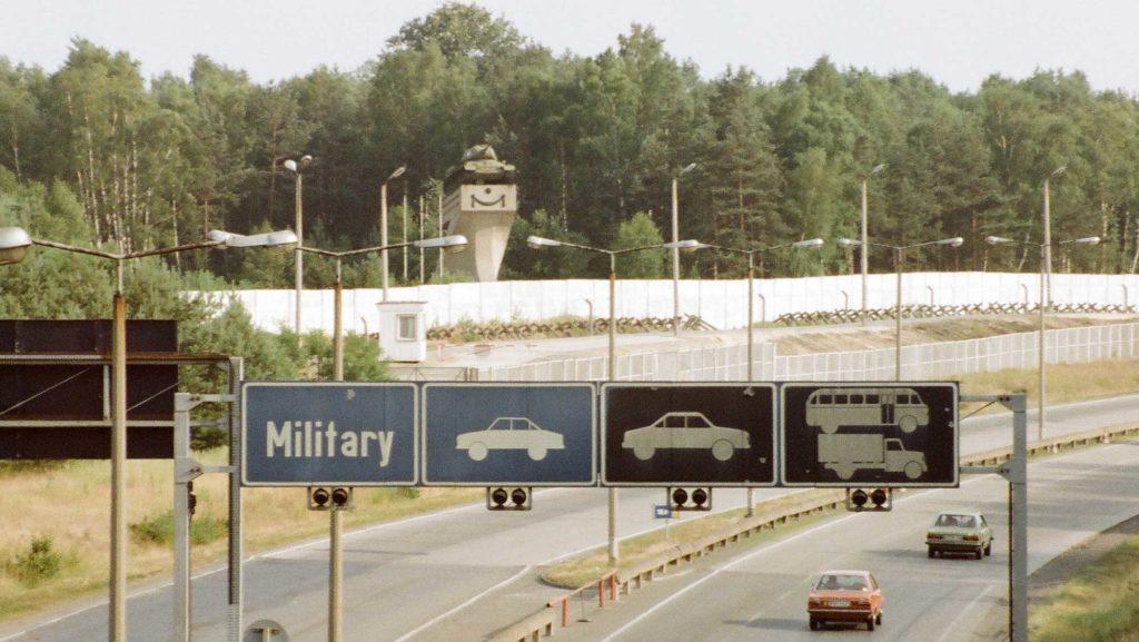 Das Panzerdenkmal bei Kleinmachnow im Jahr 1987