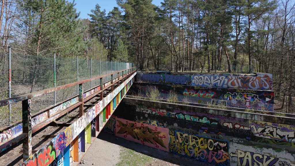 Drewitz Dreilinden Grenzkontrollstelle DDR Autobahn Berlin