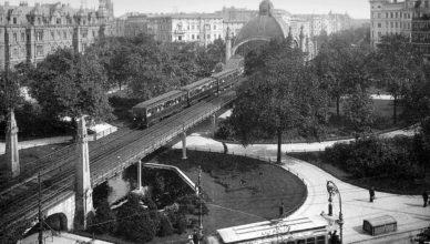 Nollendorfplatz um das Jahr 1905 (Foto: unbekannt/Album von Berlin: 44 Ansichten und Momentaufnahmen in Photographiedruck, Globus, 1905/gemeinfrei)