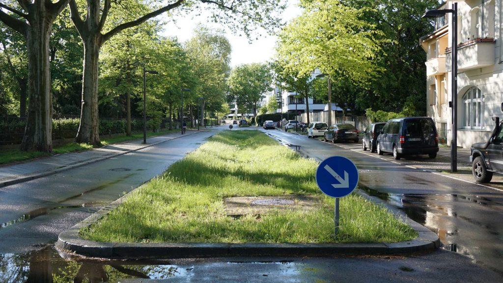 An dieser Stelle auf der Halbinsel Stralau befand sich einst eine Rampe, die zum Tunnel-Eingang hinabführte.