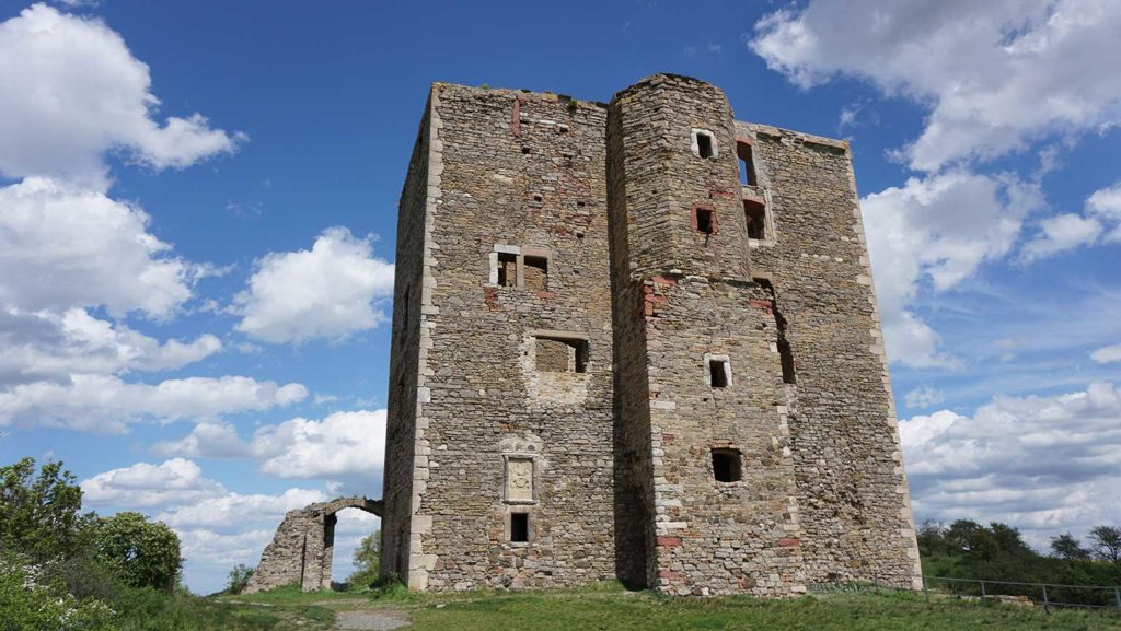 Burg Arnstein im Harz in Sachsen-Anhalt im Ort Arnstein.